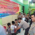 Penyerahan Tali Asih Kepada anak Yatim Oleh Kepala Rumah Sakit Bhayangkara Bondowoso